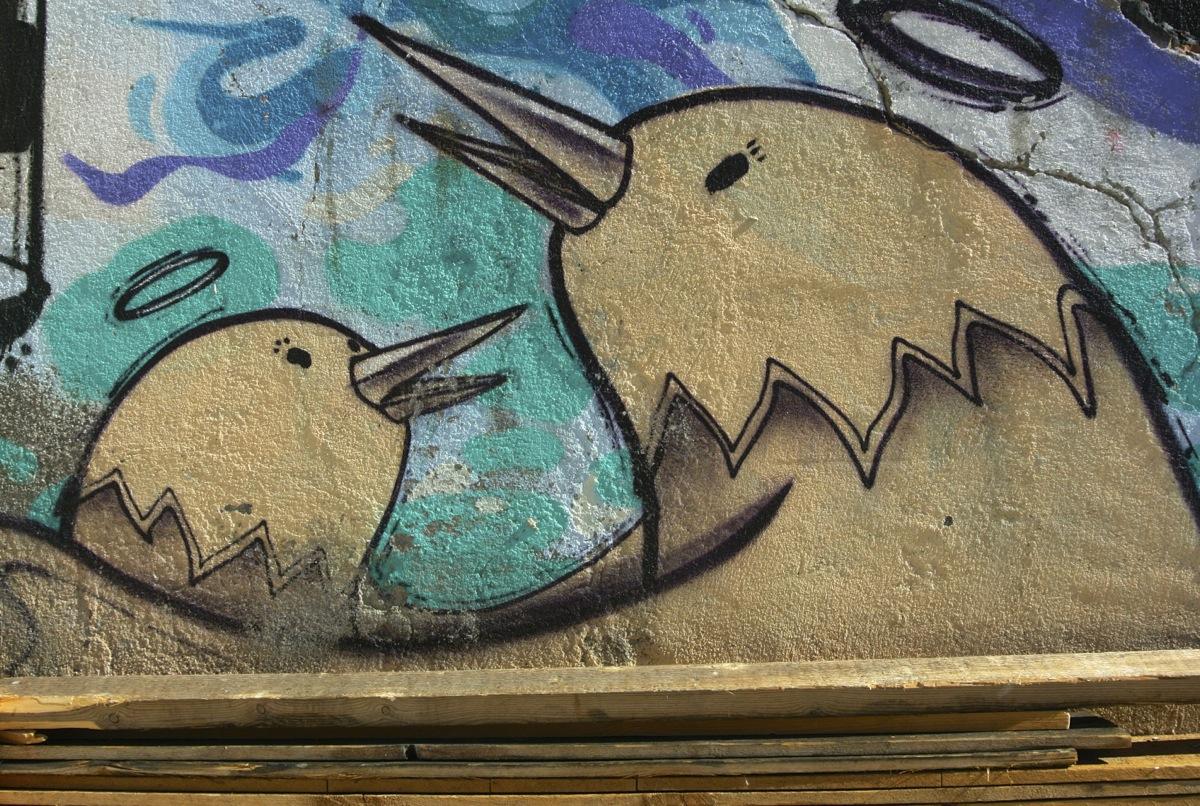 Muro intervenido por Jaiku