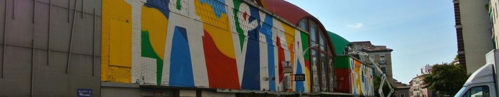 Intervencion de Boamistura en las cúpulas y fachada del Mercado de la Cebada
