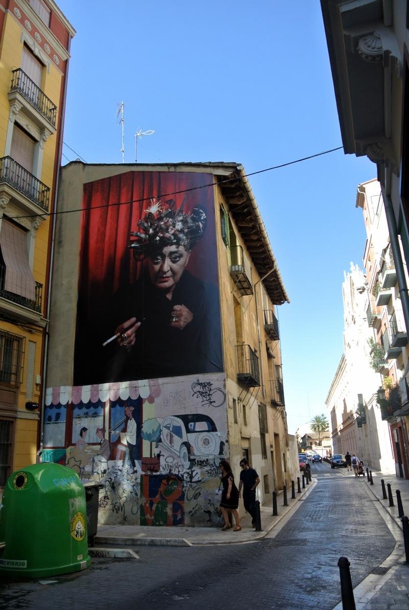 """Luis Montolio retrata """"personajes"""" del barrio valenciano a modo de 'graffiti'"""