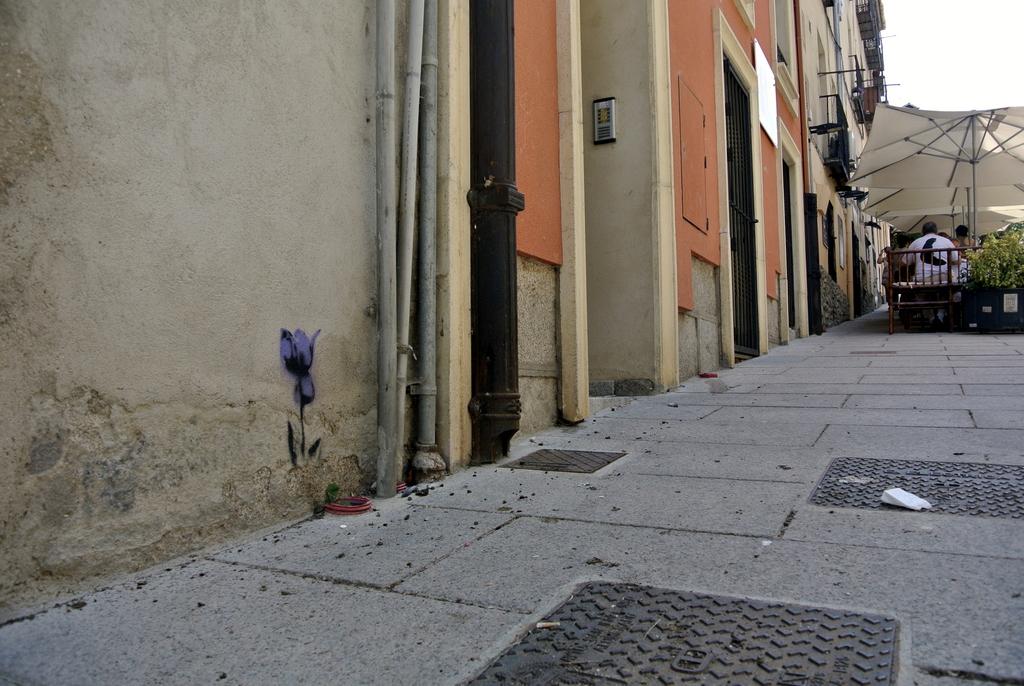 01-SinPasarte-StreetArt-LaGranja-Segovia-000