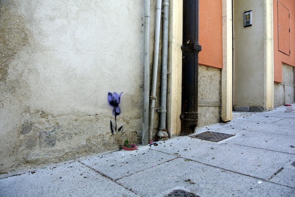 02-SinPasarte-StreetArt-LaGranja-Segovia-001