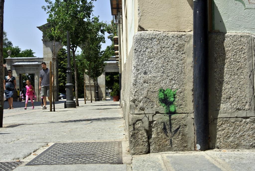 07-SinPasarte-StreetArt-LaGranja-Segovia-006