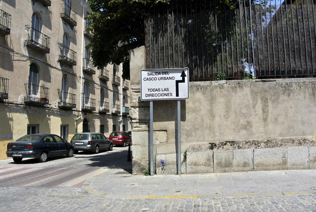 09-SinPasarte-StreetArt-LaGranja-Segovia-008