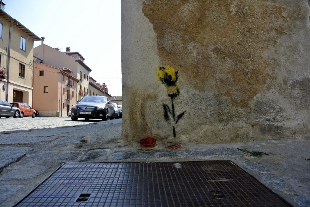 18-SinPasarte-StreetArt-LaGranja-Segovia-017