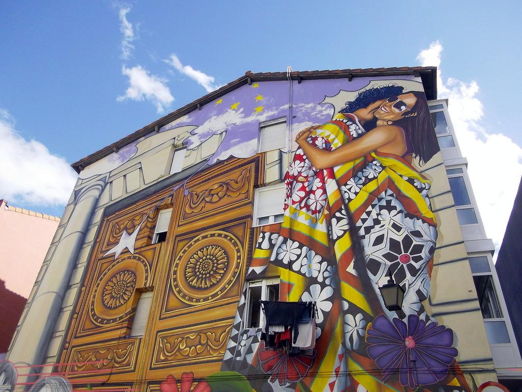 Vitoria-Gasteiz, la ciudad pintada: Cubiertos de Cielo y Estrellas